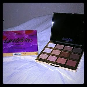 🆕*Tartelette on Bloom EyeShadow Palette BNIB*🆕